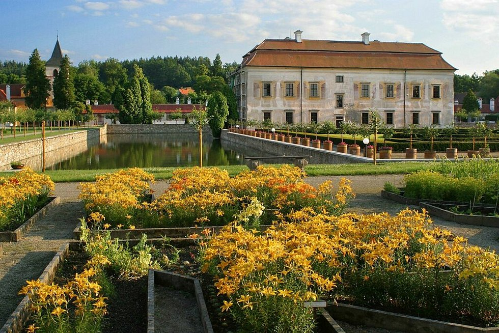 V sobotu a v neděli můžete navštívit zahrady zámku Kratochvíle.