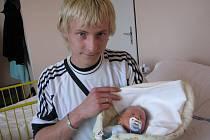 Alexandr Rašovský se v prachatické porodnici narodil 15. října 2011 pět minut po jedenácté hodině dopolední, vážil 3350 gramů a měřil rovných padesát centimetrů. Rodiče Petra Švarcová a Michal Rašovský si své první miminko odvezli do Vimperka.