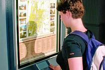 INTERAKTIVNÍ TABULE. Podobný vzhled jako prachatické informační panely by měly mít i ty, které chtějí ve Volarech. Interaktivní tabule seznámí s městem hned v několika jazycích.