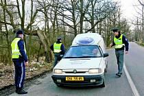 BEZPEČNOSTNÍ AKCE.  Nad dodržováním silničních pravidel dohlíželi také členové cizinecké a pohraniční policie.