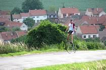 Veselan Josef Zimovčák odšlapal největší cyklistické závody světa. Nyní se proslulý velocipedista chystá obkroužit svou vlast.