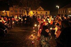 Netoličtí zpívali koledy s Českem a Netolickými Vrabčáky.