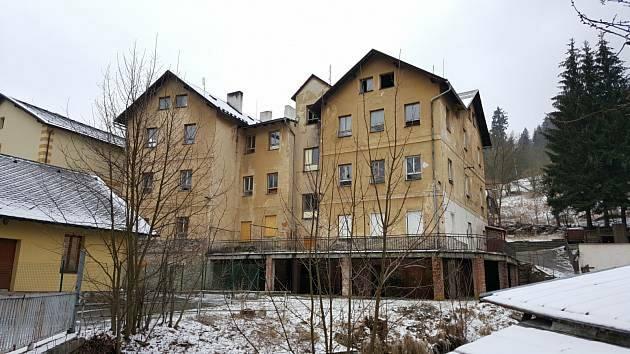 Dům v Pasovské ulici ve Vimperku bude letos zdemolován.