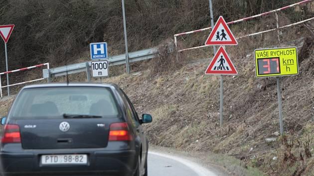 Ve vodňanské ulici bude radar nejspíš nastálo.