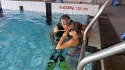 Skvělá parta dětí se sešla v prachatickém plaveckém bazénu, kde si užívala aktivní pobyt nejen ve vodě.