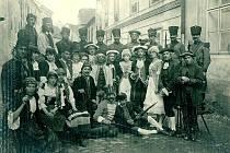 Jak jsme žili se tentokrát ohlédne za počátky českého ochotnického divadla v Prachaticích.