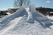 Ve Strážným bude znovu sněžný hrad.
