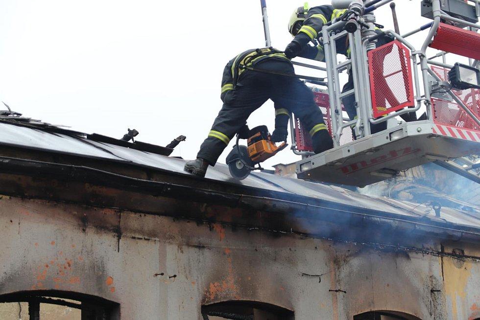 Ranní požár ve Vimperku.