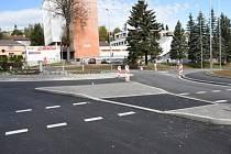 Kruhová křižovatka na Fišerce ve Vimperku je hotová.