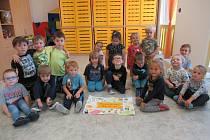 Děti z Mateřské školy ve Svaté Maří se svým originálním přáním.