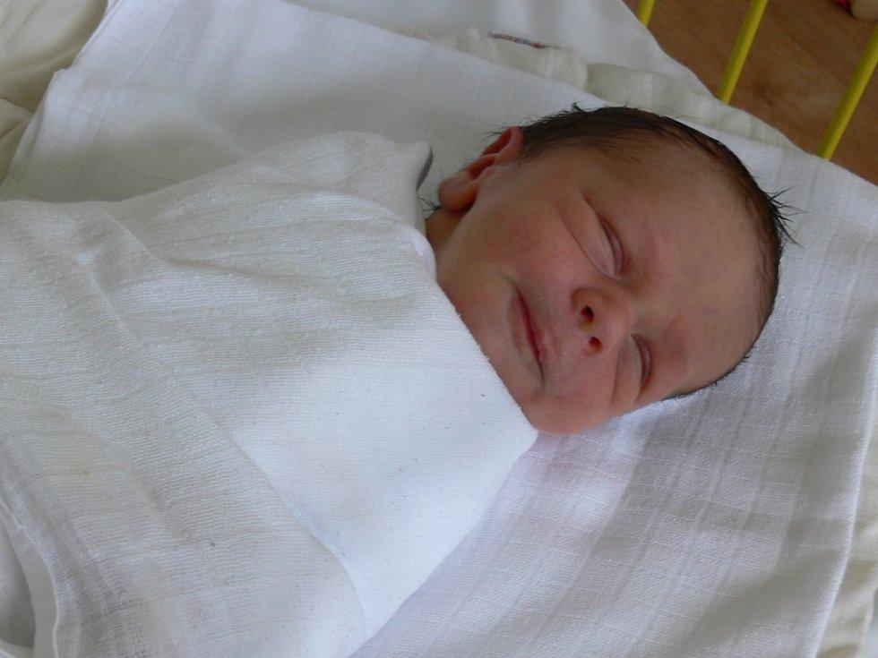 Jiří Tesárek se narodil v prachatické porodnici v pondělí 30. července v 09.44 hodin. Vážil 2950 gramů a měřil čtyřicet devět centimetrů. Rodiče Magda a Jiří Tesárkovi jsou z Prachatic.