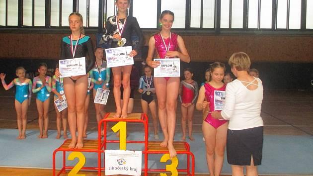 Kategorii juniorek C vyhrála Linda Pištěková, bronz získala Natálie Uhříčková.