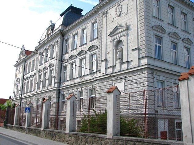 Jedna z budov Základní školy Netolice se nachází v Bavorovské ulici.