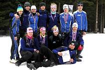 Dorostenci Ski Klubu Šumava (na snímku) na Božím Daru doslova řádili. Stali se druhým nejlepším týmem.