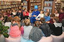 Noc s Andersenem v Obecní knihovně ve Staších.