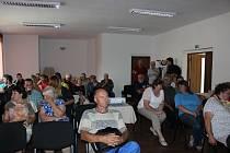 Besedu na téma Kam mizí šumavská voda vyslechli zájemci ve Volarech.