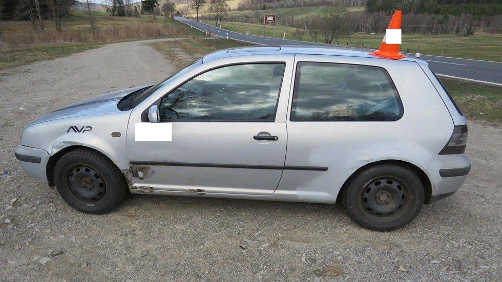 Sobotní nehoda u Korkusovy Huti si vyžádala dvě lehká zranění.