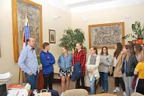 Školáci navštívili prachatického starostu.