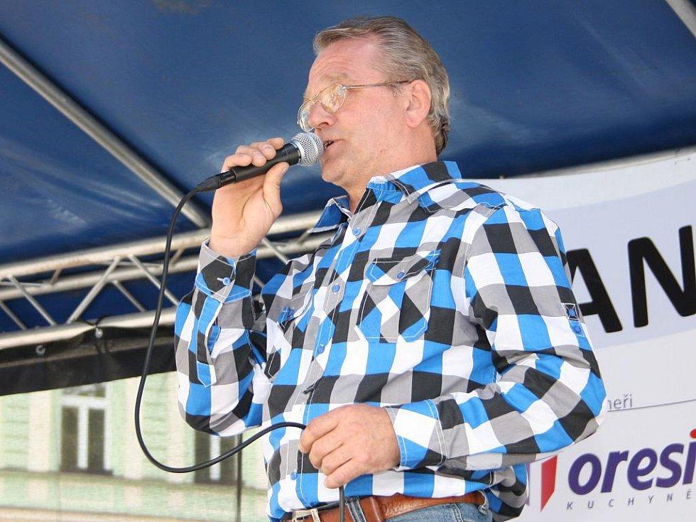 Nejstarším soutěžícím byl Jiří Stuchlík.