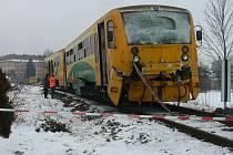 Železniční nehoda letos v únoru si vyžádala 14 zraněných osob, jedna žena při nehodě zemřela.