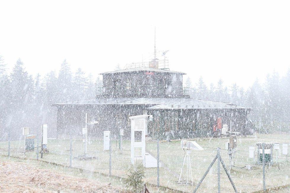 Středa 5. května na šumavském Churáňově.