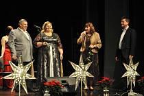 Zdravotně postižení oslavili svůj svátek v pondělí večer v městském divadle v Prachaticích.