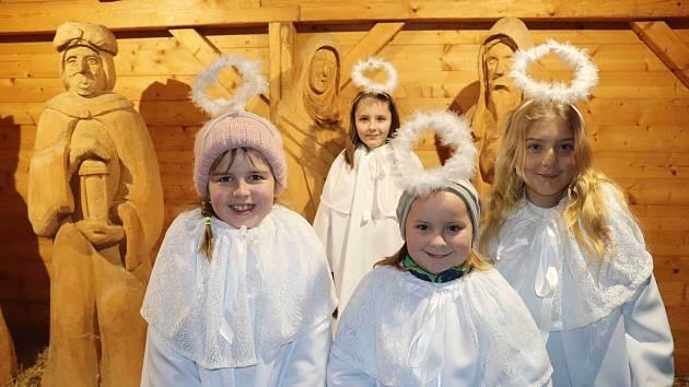 Zahájení adventu a rozsvícení vánočního stromu ve Volarech.