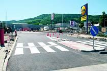 Kruhová křižovatka byla otevřena 10. června 2014.
