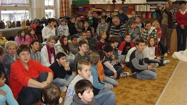 Setkání v Městské knihovně v Prachaticích.