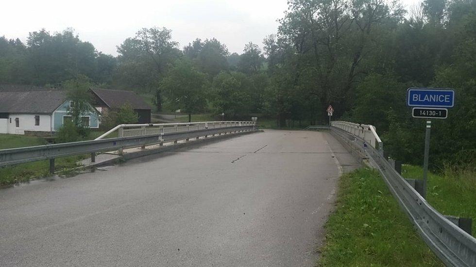 Průtok řeky Blanice pod Kratušínem ve středu 10. června kolem poledne.