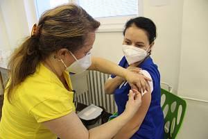 Očkování proti covid-19.