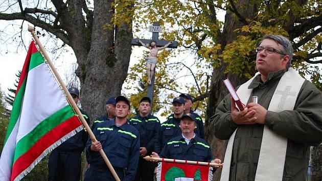 Stráženští mají nový pietní hřbitov