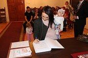 Novým občanem Prachatic se stala Viktorie Podskalská.