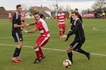 Fotbalová I.A třída: Lhenice - Trhové Sviny 2:4.