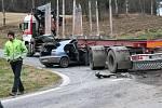 Dopravní nehoda poblíž Bělče zastavila v úterý provoz.