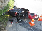 Srážka motorky a auta v Kahově u Prachatic.