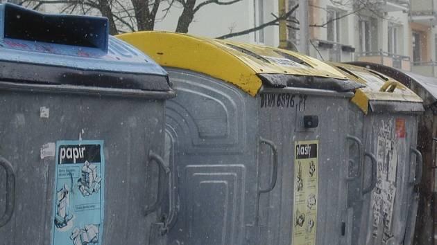 Občané Prachatic chtějí ve městě více kontejnerů.