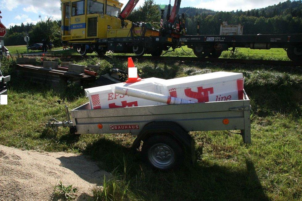 Řidič vozidla Škoda skončil po dopravní nehodě v péči lékařů.