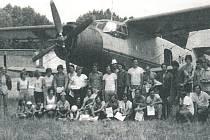 Parašutisté Aeroklubu Prachatice, který má svou základnu na letišt ve Strunkovicích nad Blanicí. Foto vybrali Jan Beran, Jindřich Jileček a Ludmila Fiedlerová