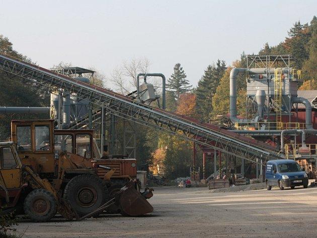 Při svařování utrpěli dva pracovníci v lomu Pod Libínem v Prachaticích rozsáhlé popáleniny.