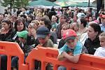 Sobota patřila při Slavnostech Zlaté stezky vystoupením partnerských měst a hudebním vystoupením jak na Parkáně, tak i na hlavním pódiu na Velkém náměstí.To bylo neustále plné návštěvníků.