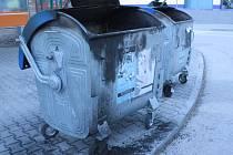 V Prachaticích hořelo několik kontejnerů.