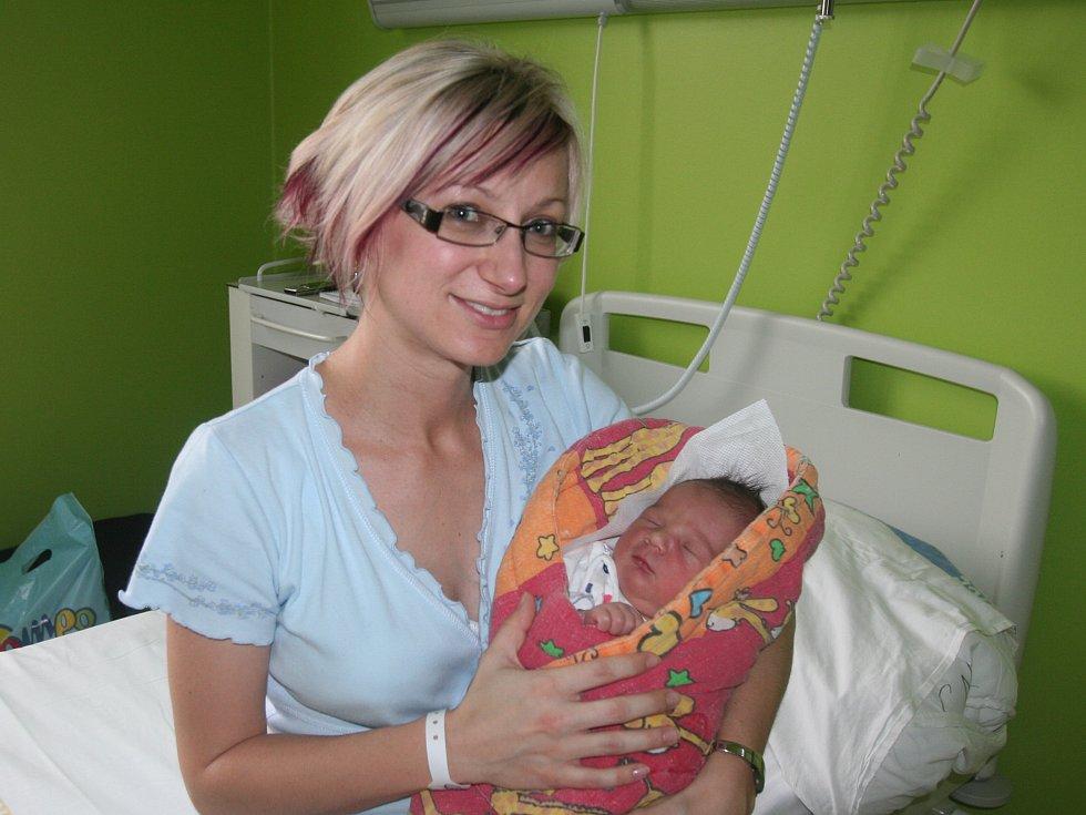 Ve strakonické porodnici se v neděli 26. února v 11.17 hodin  narodil Dominik Klas z  Vacova. Chlapeček měřil  52 cm a vážil 4280 gramů. Doma se na něj těší bráška Daniel (3,5 roku).