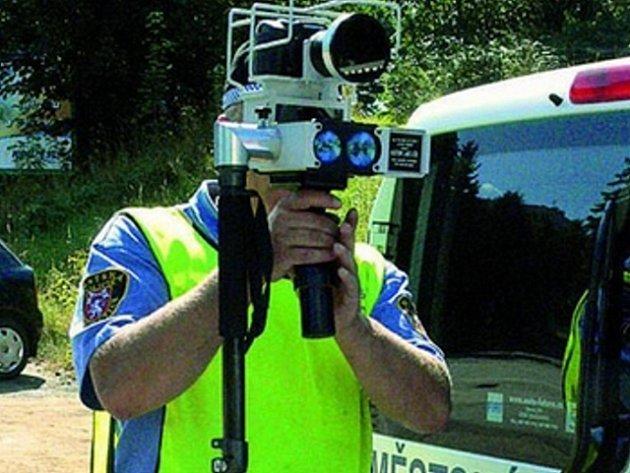 Strážníci vimperské městské policie se nevzdávají, rychlí řidiči budou mít v budoucnu ve městě smůlu.