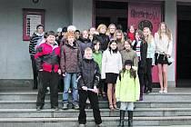 ZA KULTUROU.  Děti ze Zdíkova navštívily Lucernu v divadle na Fidlovačce, vánoční Praha je ale zklamala svou přezdobeností a absencí tradic.