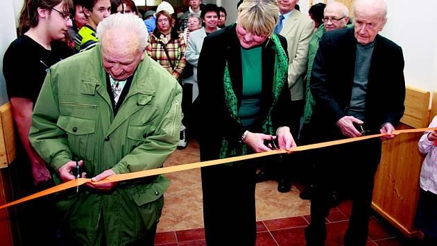 Vimperští slavnostně otevřeli nové prostory knihovny.