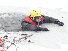 Cvičení prachatického hasičského záchranného sboru na Huláku.