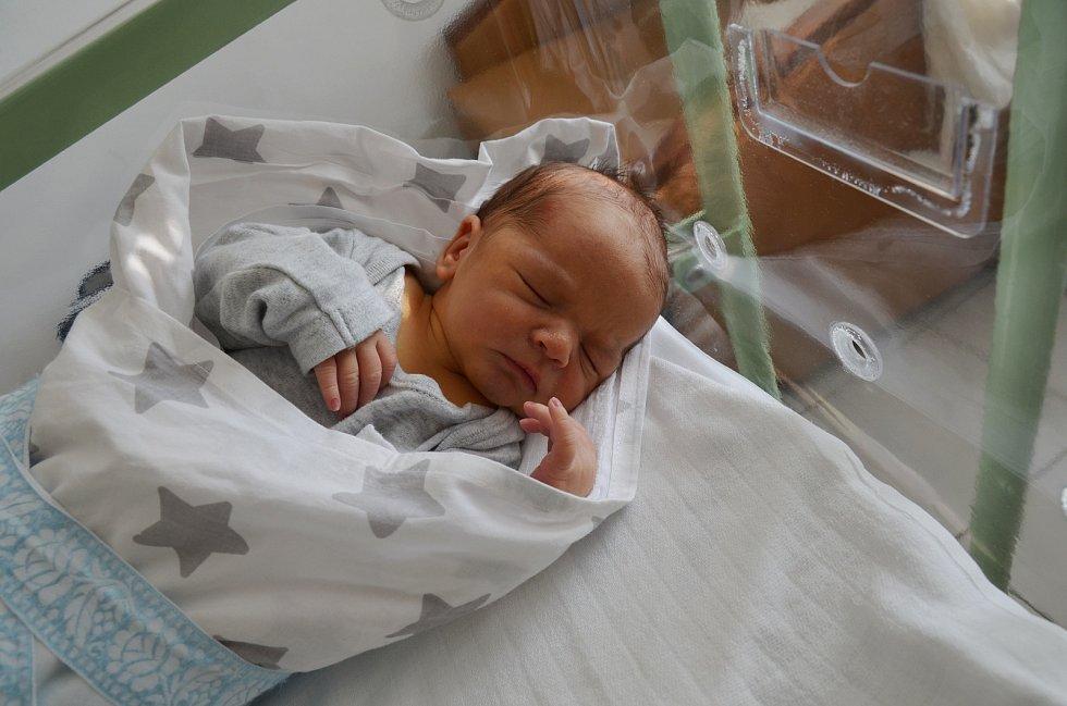 MARTIN NERAD, PRACHATICE.Narodil se ve čtvrtek 22. srpna v 15 hodin a 24 minut v písecké porodnici. Vážil 3300 gramů a měřil 50 centimetrů. Rodiče: Kristína a Martin Neradovi.