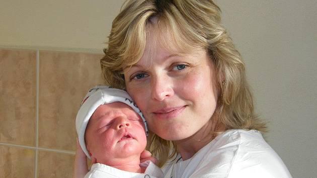 Petr Tisoň se v prachatické porodnici narodil 11. prosince v 06.55 hodin rodičům Janě a Pavlovi Tisoňovým z Libínského Sedla. Chlapeček vážil 2800 gramů a měřil 49 centimetrů. Doma už se na miminko těší dvě sestřičky – třináctiletá Dominika a devítiletá V