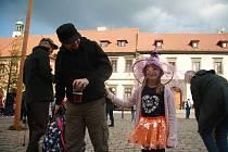 Na prachatickém Velkém náměstí se konal čarodějnický slet.